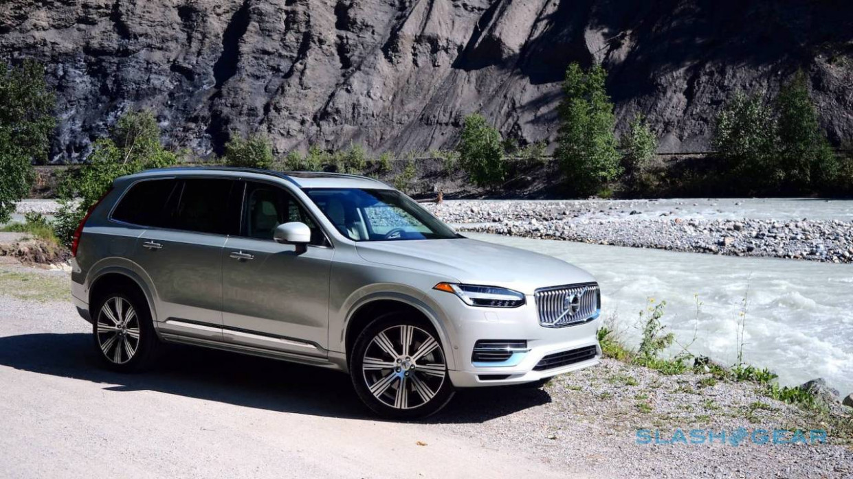 12 Volvo XC12 First Drive: T12 hybrid, T12, and smug Swedes ...