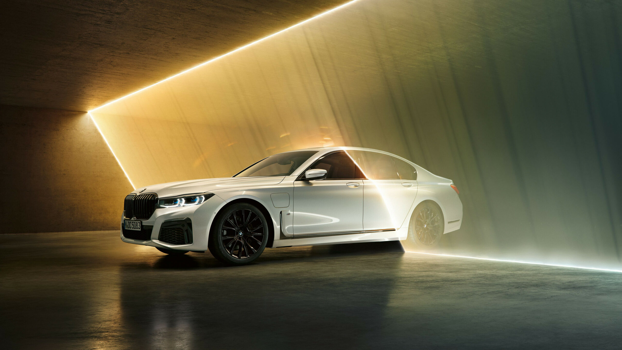 Cool 12 BMW Wallpapers - Top Free Cool 12 BMW Backgrounds ..