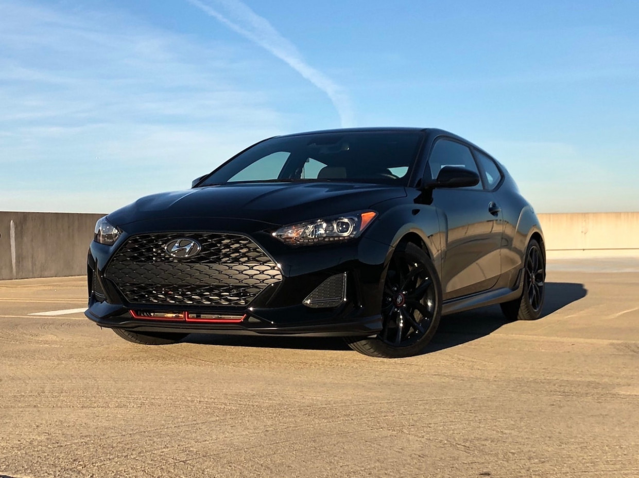 Stylish and Sporty: 10 Hyundai Veloster Turbo R Spec Test Drive ...