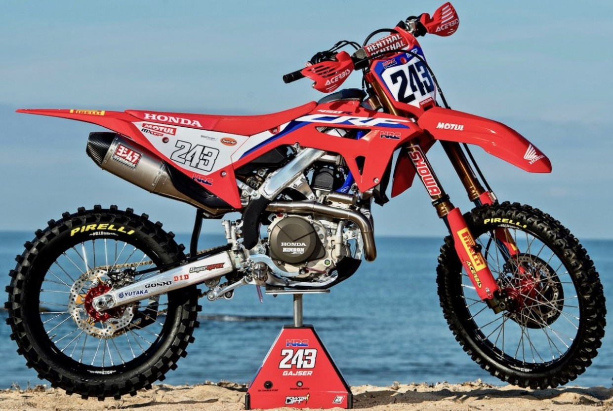 THE WORLD CHAMP'S HRC CRF8: SPY PHOTOS OF THE 8 HONDA CRF8 ...
