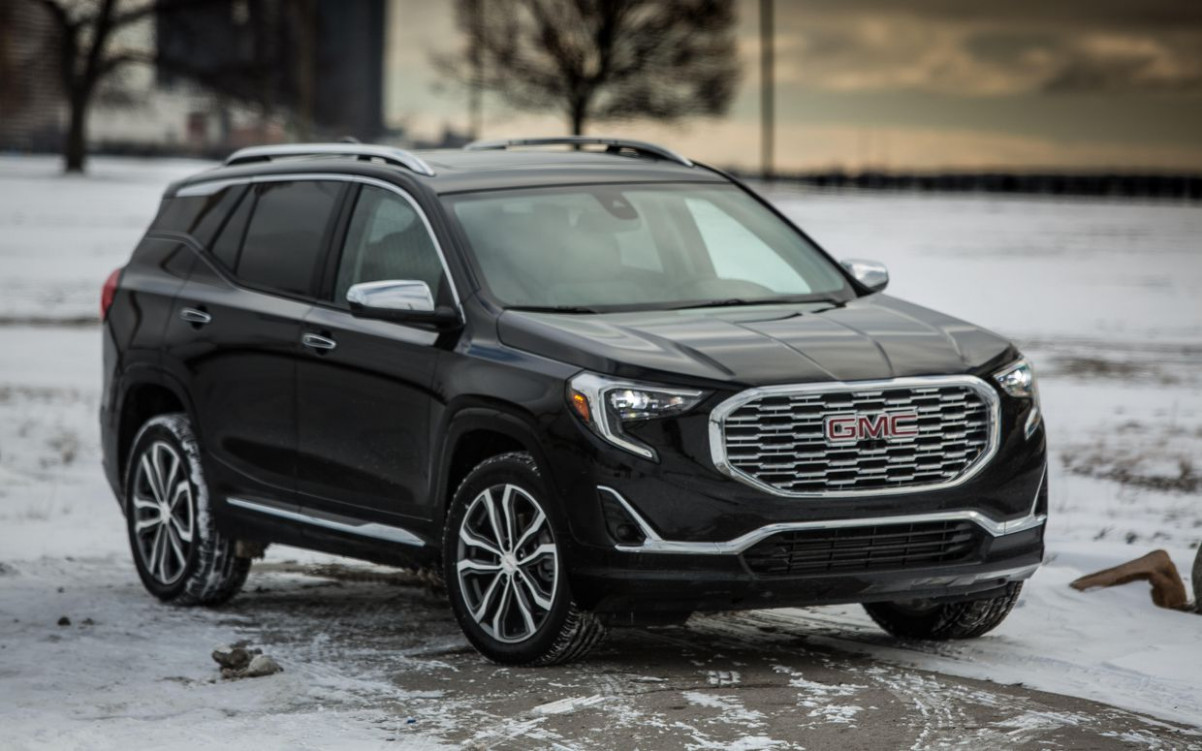 9 GMC Terrain reviews, news, pictures, and video - Roadshow | 2020 GMC Terrain Slt