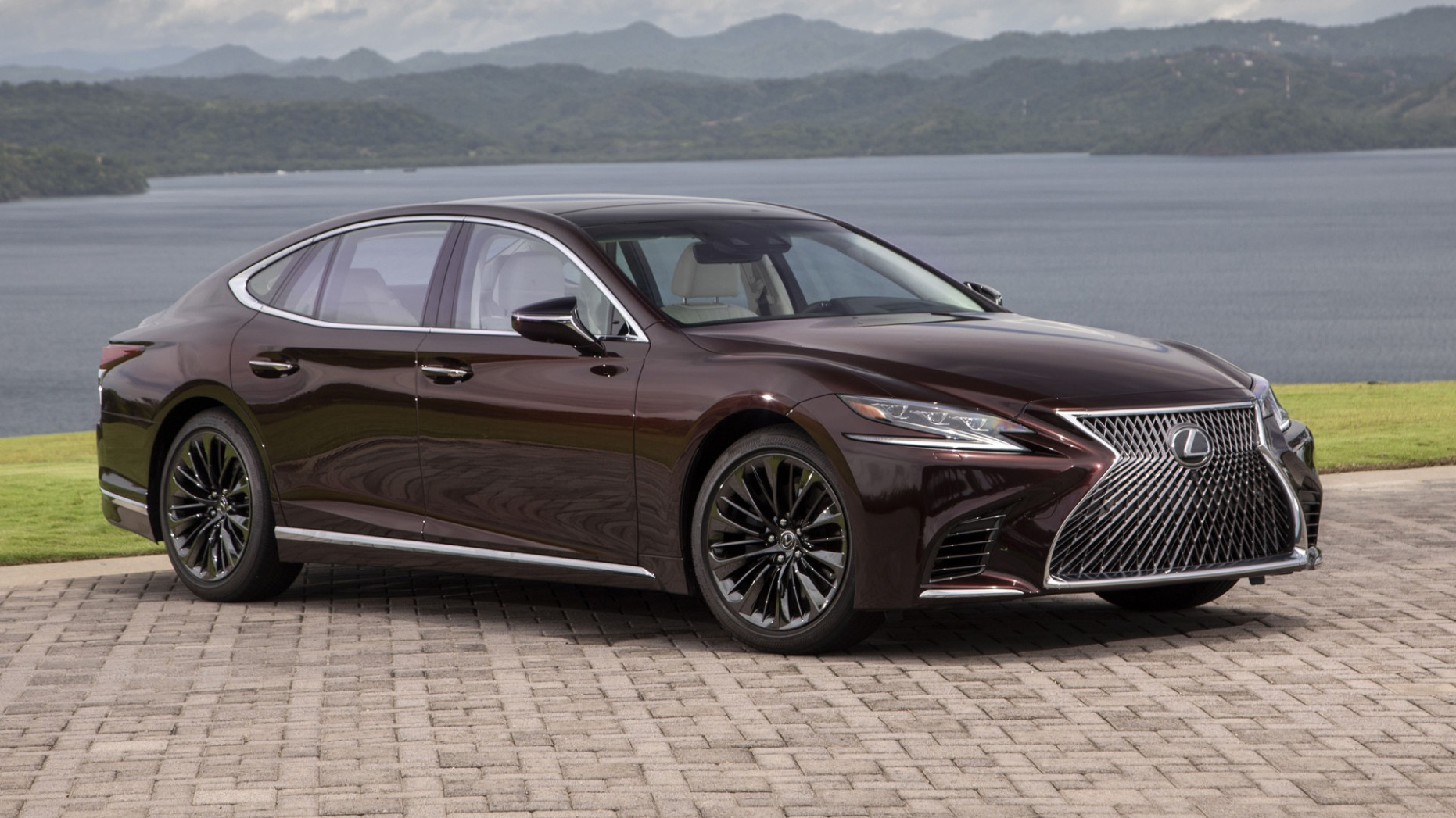 4 Lexus LS gets the Inspiration Series treatment