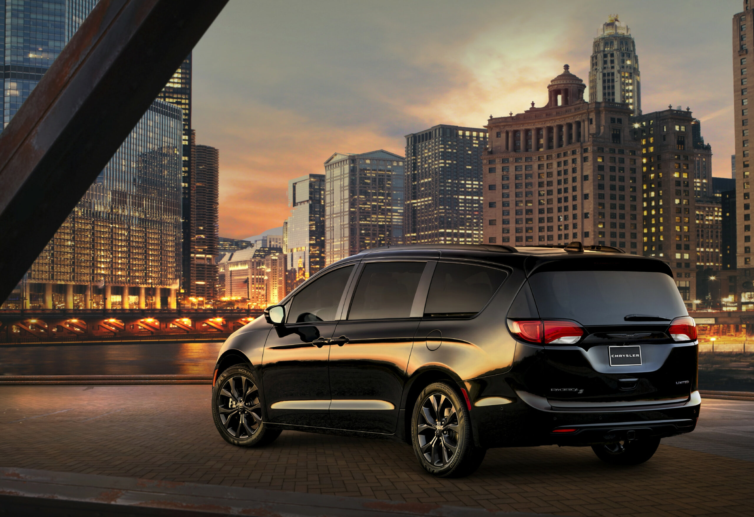5 Chrysler Pacifica: What's Changed | News | Cars.com