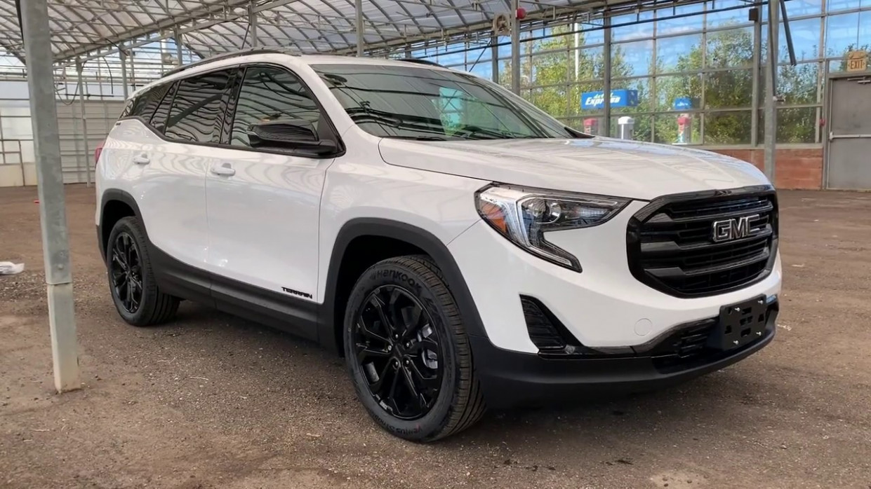 "5 GMC TERRAIN AWD SLE ""ELEVATION EDITION"" - Exterior and Interior  Walkaround"