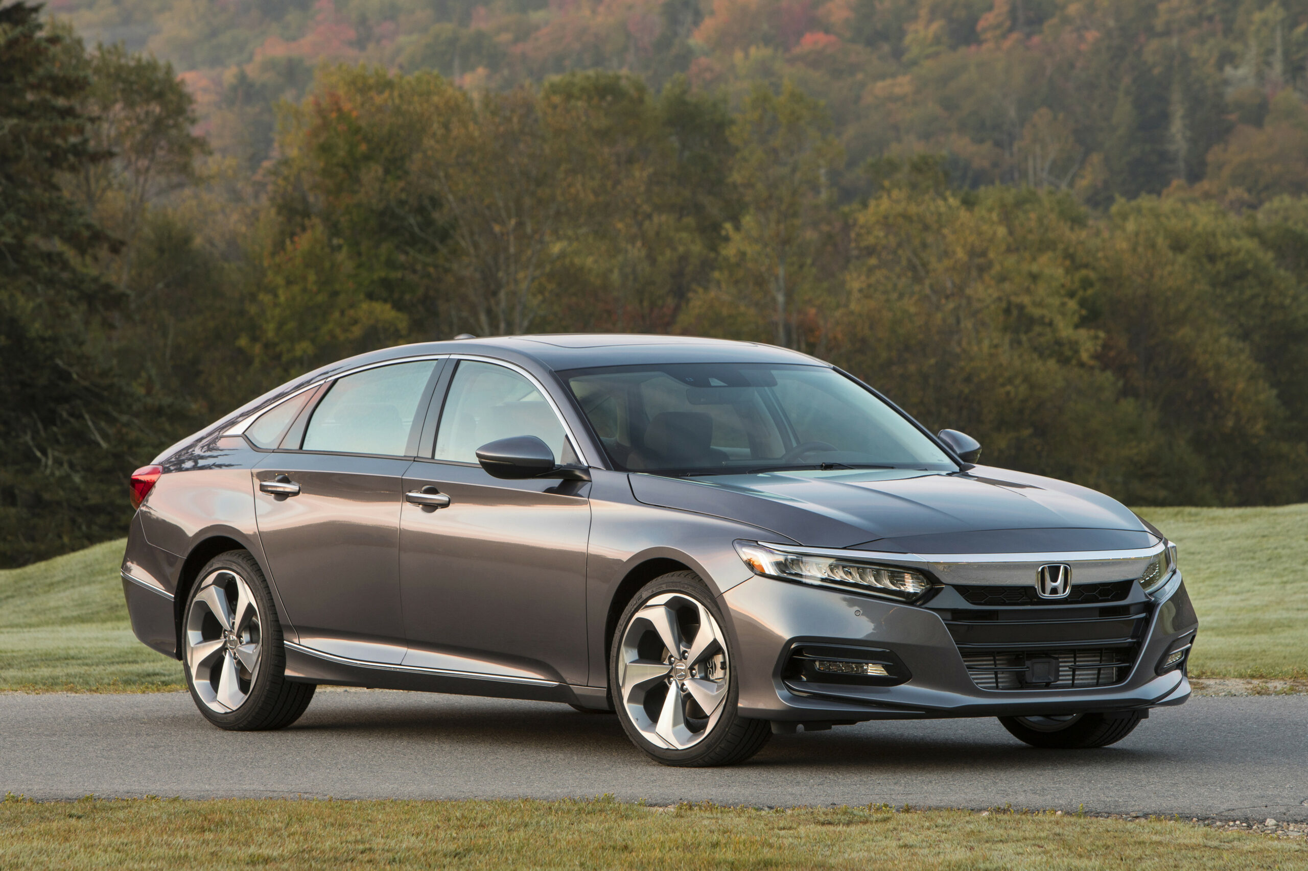 5 Honda Accord Arrives Tuesday With Ever-So-Slightly Higher ..