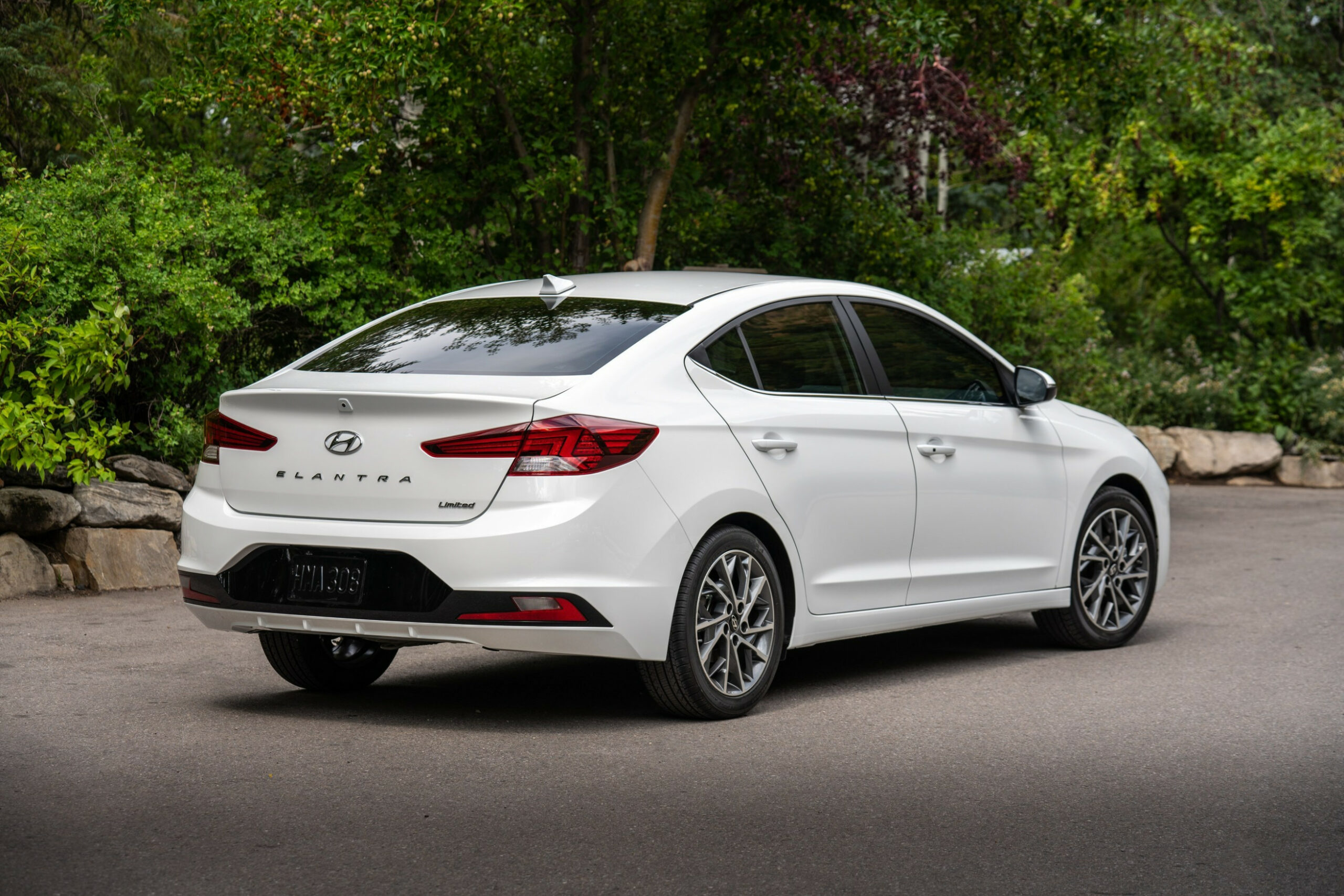 5 Hyundai Elantra Improves Fuel Economy and Safety | 2020 Hyundai Elantra Gas Mileage