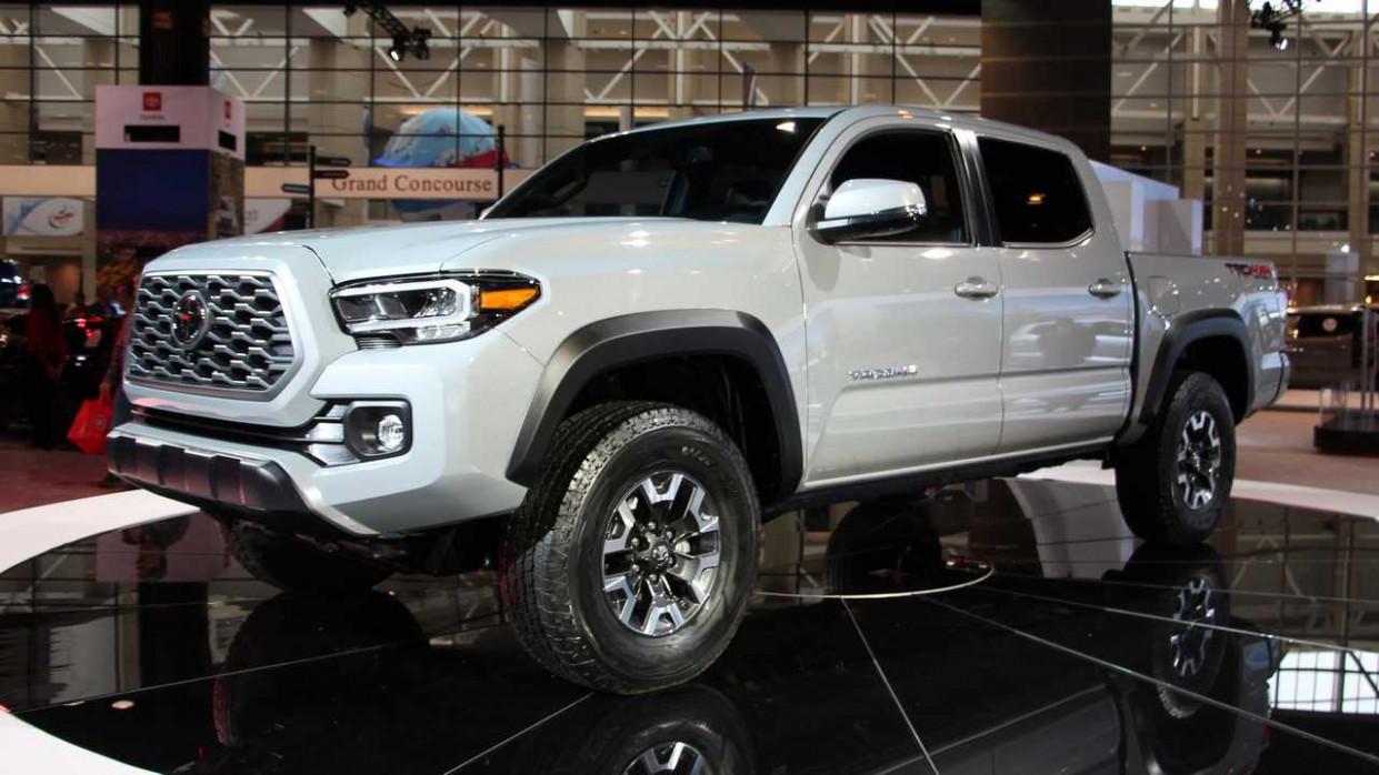 5 Toyota Tacoma Shows Off Subtle Facelift In Chicago [UPDATE]