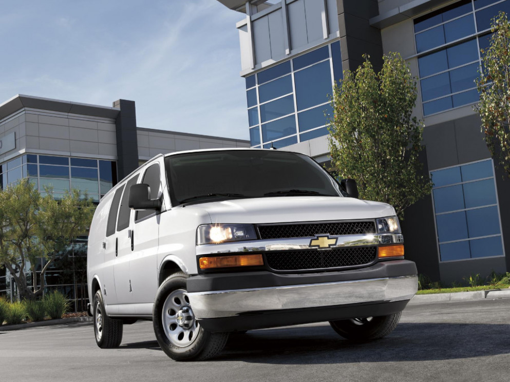 6 Chevrolet Express enters its 6th year with a new engine ...
