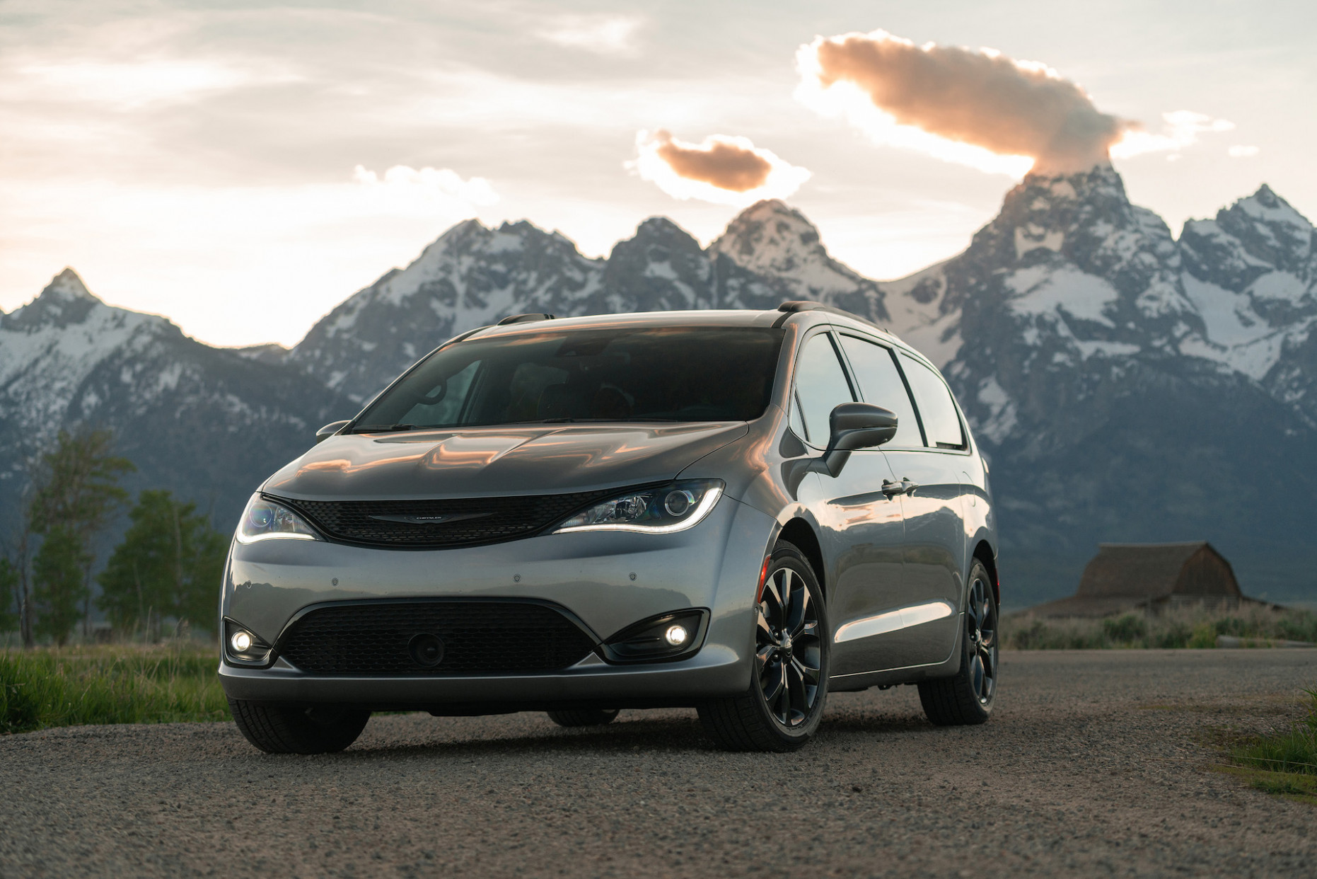 6 Chrysler Pacifica Hybrid review, Toyota Supra history, fleet ..