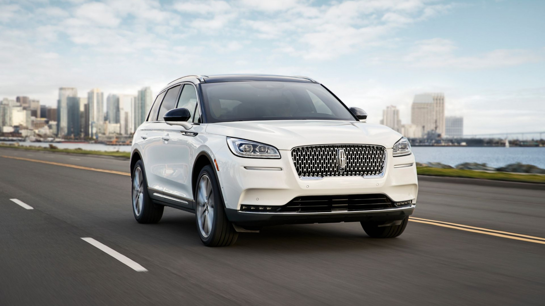 6 Lincoln Corsair priced: Much-improved MKC replacement starts ..