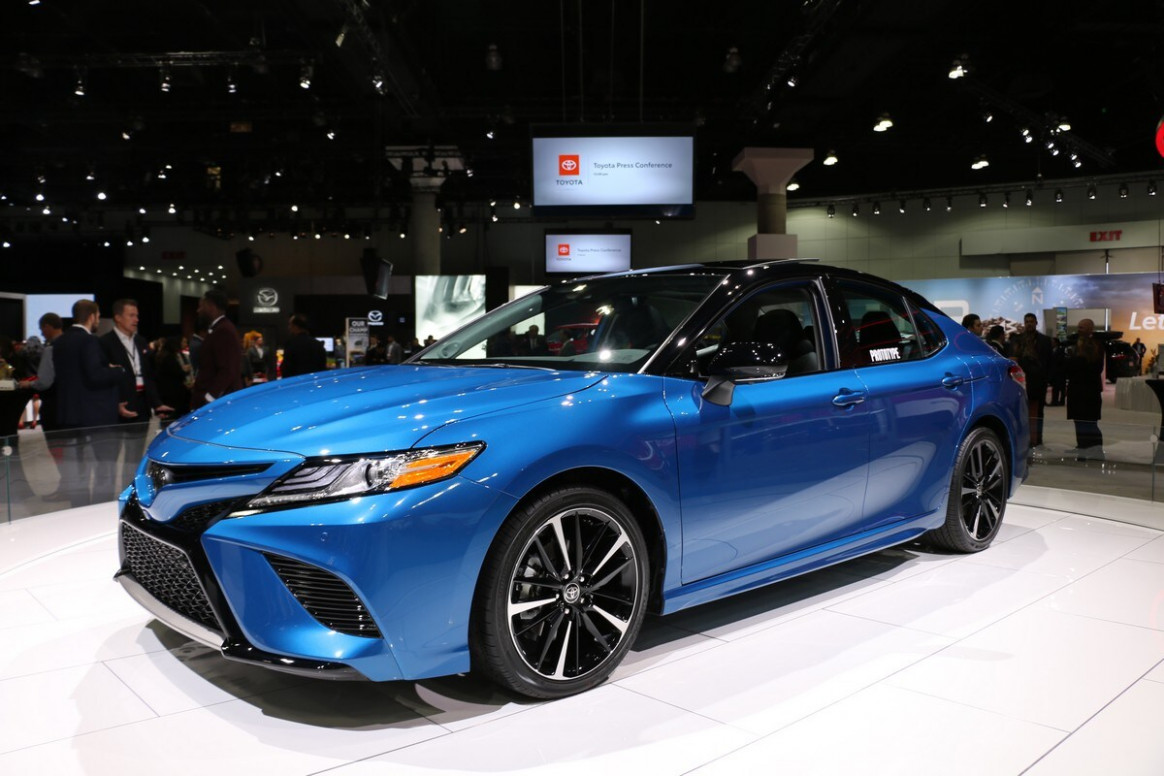 6 Toyota Camry AWD First Look   Kelley Blue Book   2020 Toyota Camry Xse