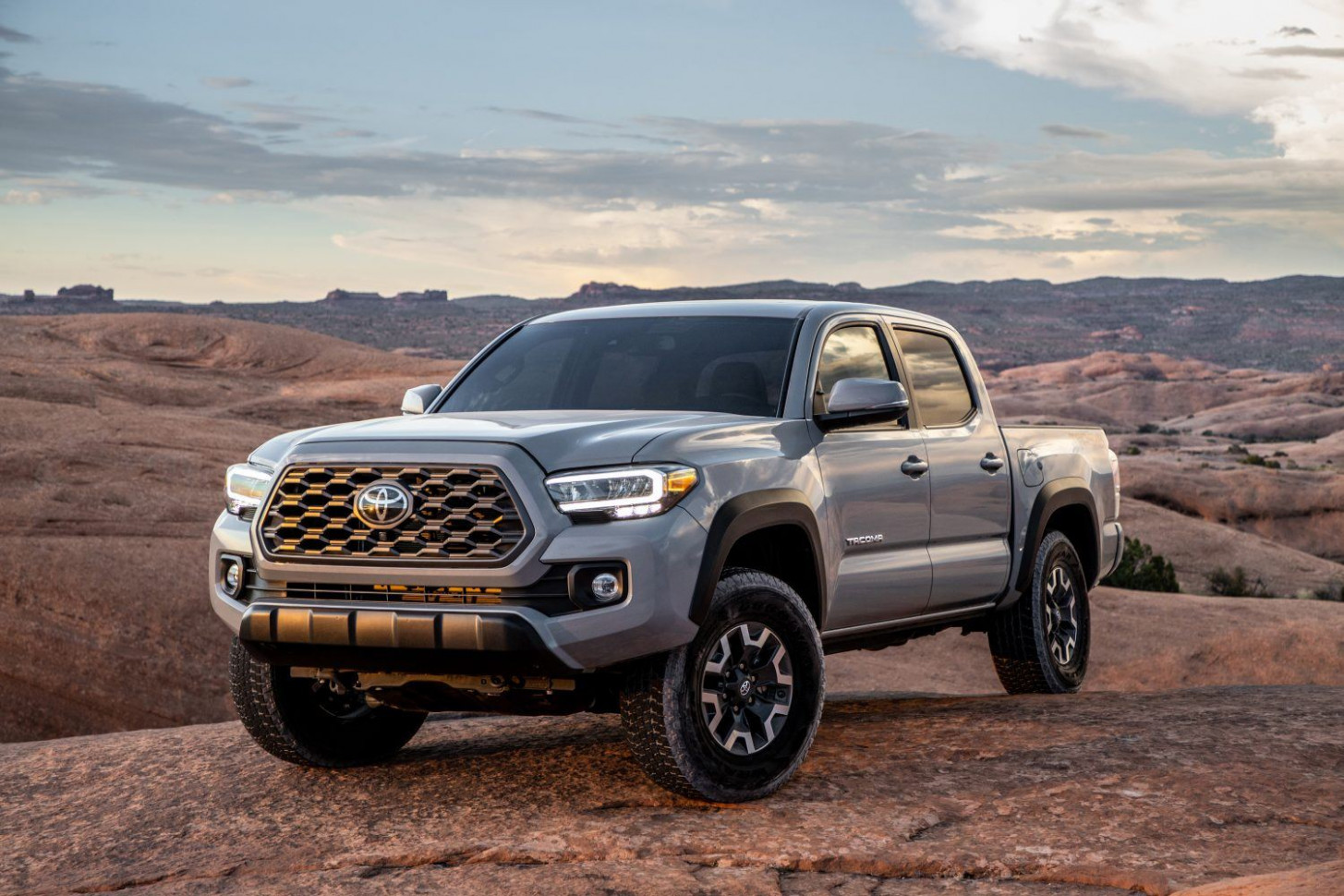 6 Toyota Tacoma Gets New Tech, Style and Colors » AutoGuide.com ..