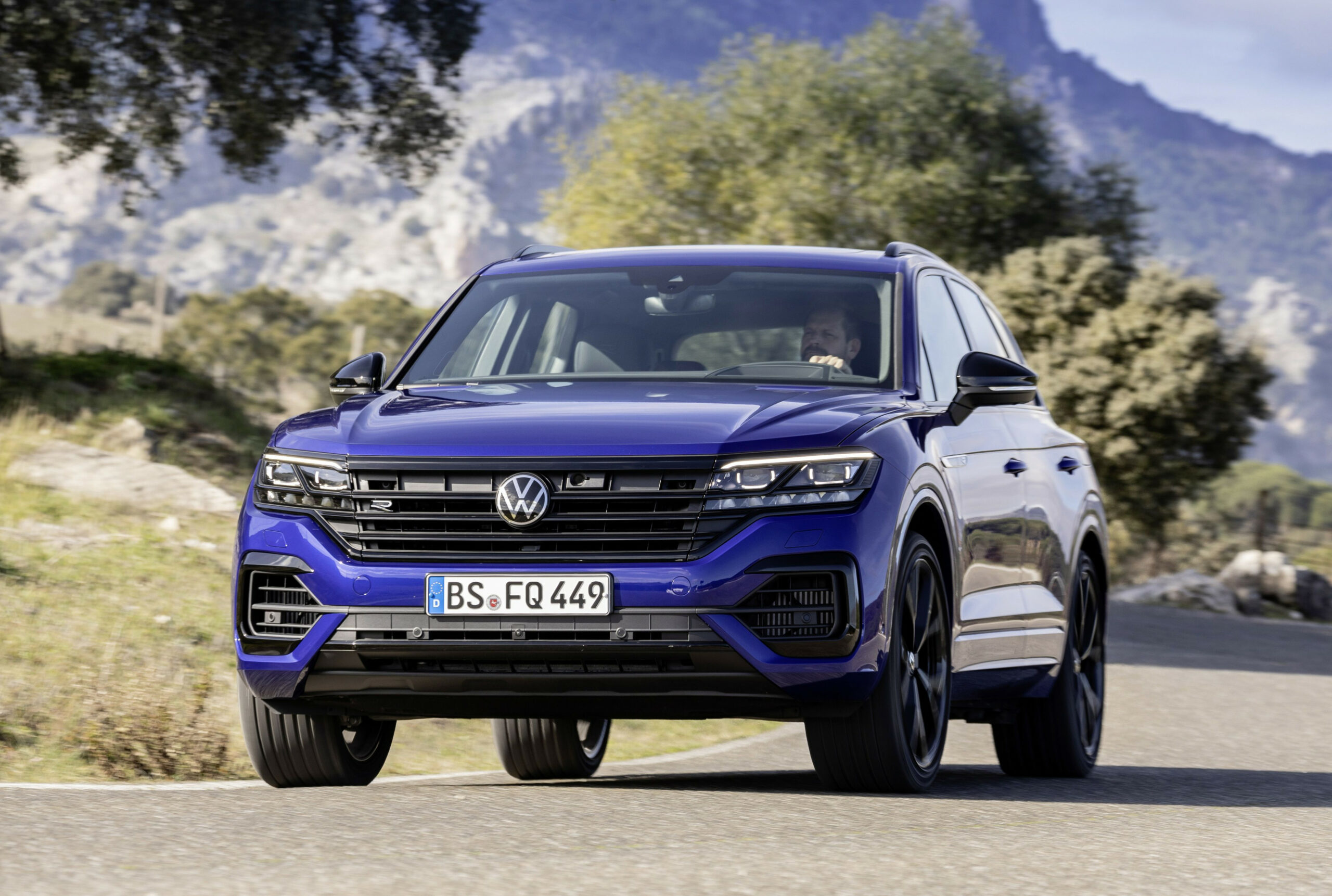 6 Volkswagen Touareg R In-Depth Review And Competition in 6 ..
