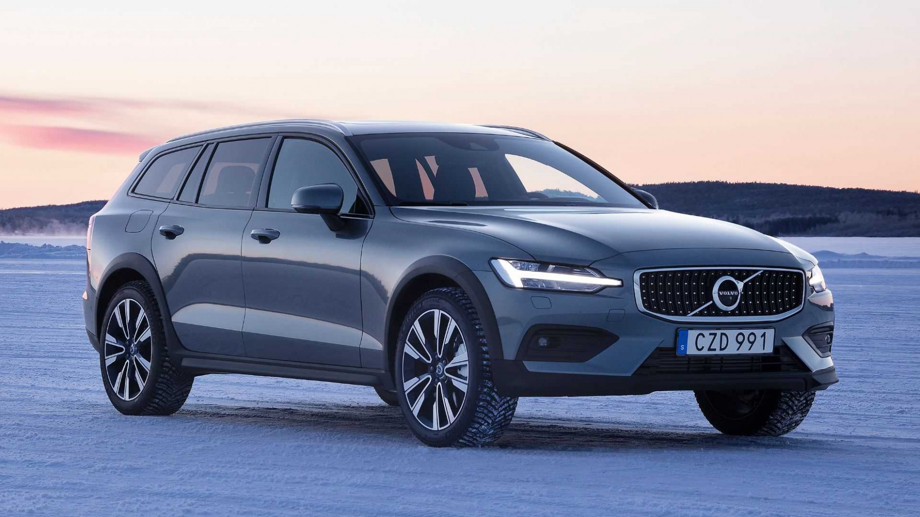 6 Volvo V6 Cross Country First Drive: Swede, Swede Victory | 2020 Volvo Cross Country