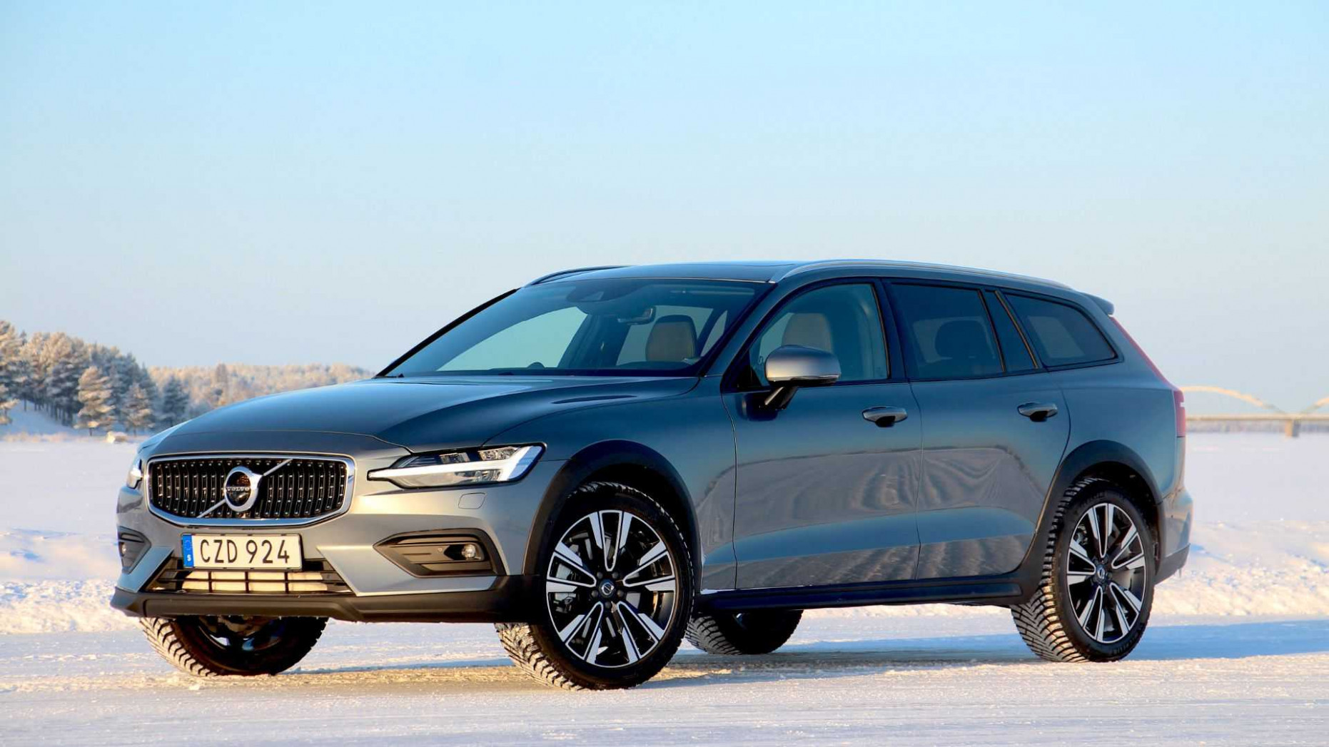 A Fully-Loaded 6 Volvo V6 Cross Country Can Cost $6,6