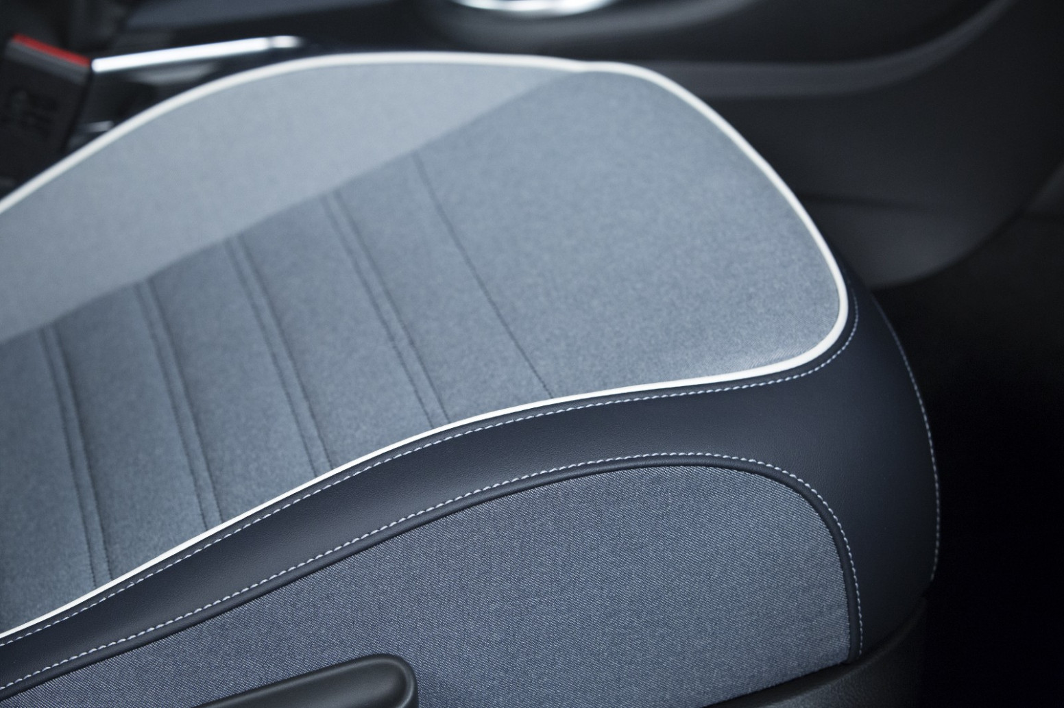 Volkswagen Beetle Denim Unveiled with Jeans Fabric for the Roof ..